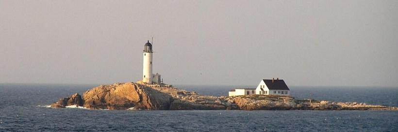 """""""LIGHTHOUSE, ISLES OF SHOALS"""" by PHOTOPHANATIC1 is licensed under CC BY-NC-SA 2.0"""
